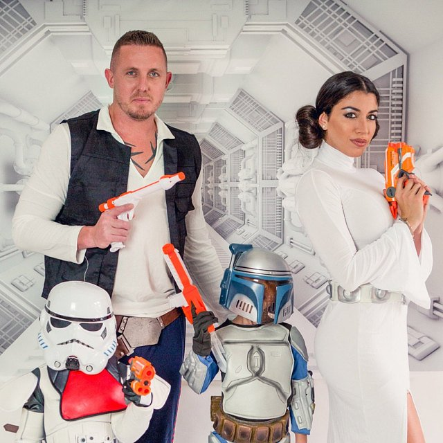 Star Wars costumes for an adorable family Halloween photo